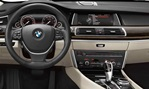 2014-BMW-5-Series-Gran-Turismo-cockpit 2
