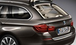 2014-BMW-5-Series-Touring-at-the-back 3