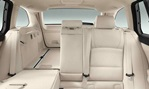 2014-BMW-5-Series-Touring-flex-cargo-and-seating 2