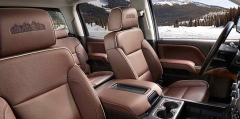 2014-Chevrolet-Silverado-High-Country-stylin-C