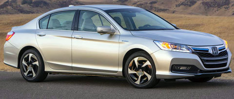 2014-Honda-Accord-Plug-in-Hybrid-going-home-B