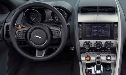 2014-Jaguar-F-Type-V6-S-da-cockpit C