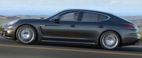 2014-Porsche-Panamera-chasing B