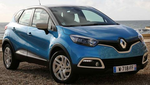 2014-Renault-Captur-beachside A