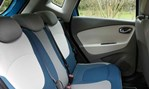 2014-Renault-Captur-rear-seating 3