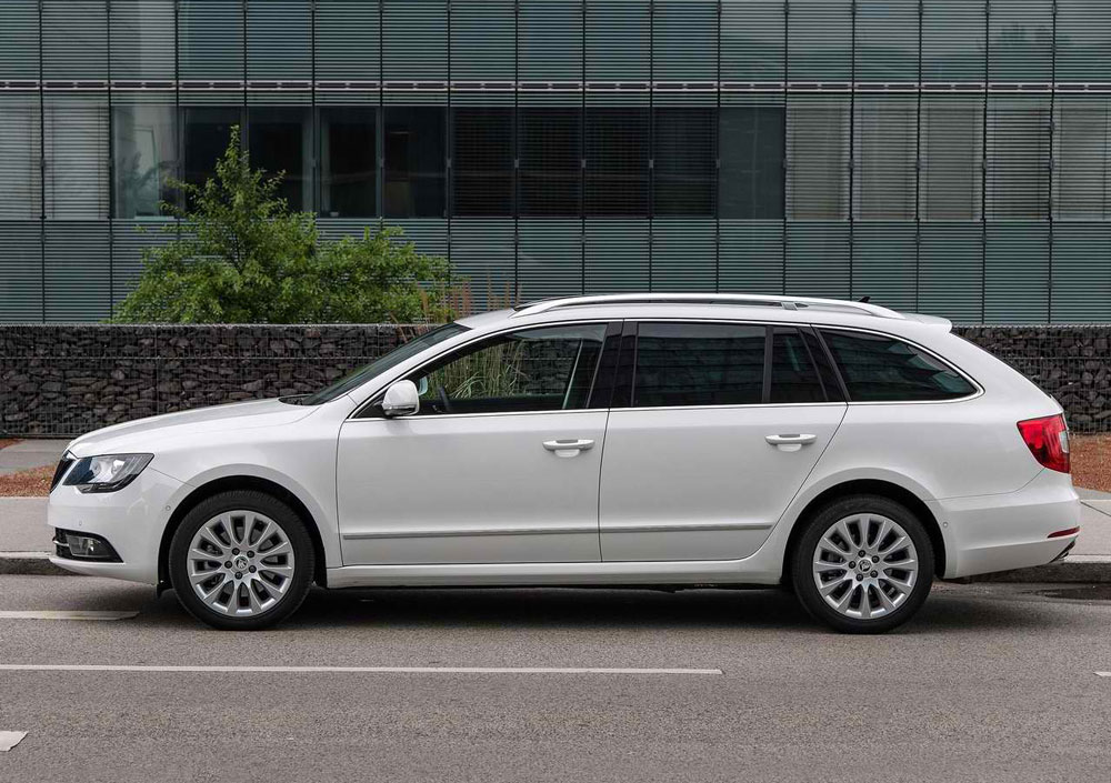 2014 skoda superb combi review specs mpg pictures. Black Bedroom Furniture Sets. Home Design Ideas