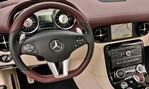 2013-Mercedes-Benz-SLS-AMG-GT-cockpit 1