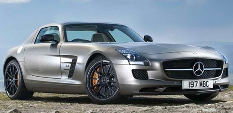 2013-Mercedes-Benz-SLS-AMG-GT-waiting-for-a-driver A