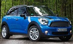 2013-Mini-Countryman-Cooper-ALL4-in-the-woods 2