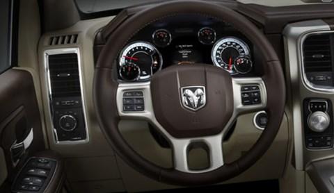 2013-Ram-1500-Black-Express-interior D