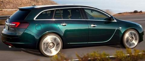 2014-Opel-Insignia-chuckwagon B