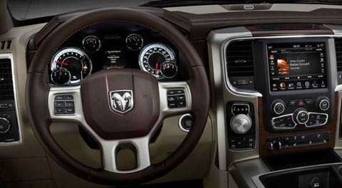 2014-Ram-1500-drive-on B