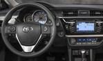 2014-Toyota-Corolla-cockpit 2