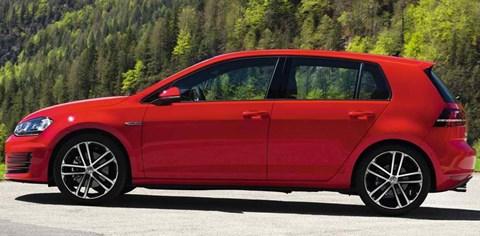 2014-Volkswagen-Golf-GTD-crease B
