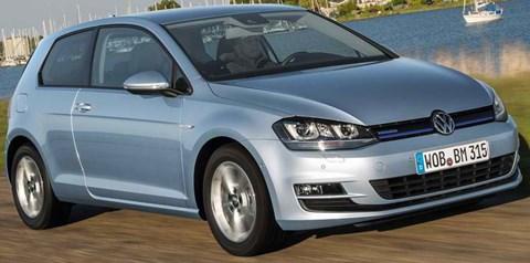 2014-Volkswagen-Golf-TDI-BlueMotion-jalopy A
