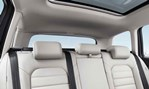 2014-Volkswagen-Golf-Variant-seating-in-rear 3