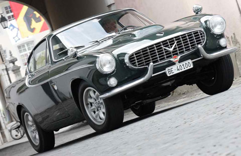 1966-Volvo-P1800-hunter-green-A