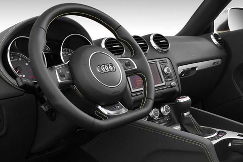 2013-Audi-TTS-Roadster-Competition-cockpit-C