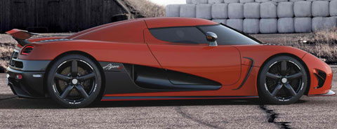 2013-Koenigsegg-Agera-R-in-red-B