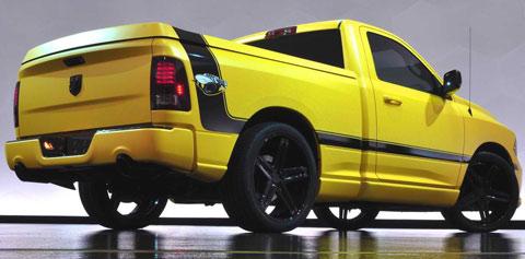 2013-Ram-1500-Rumble-Bee-Concept-indoors-B