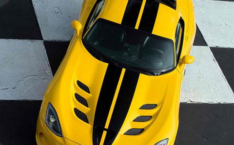 2013-SRT-Viper-Race-Yellow-checkered-stripes-A