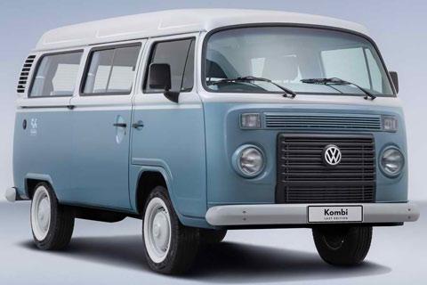 2013-Volkswagen-Kombi-Last-Edition-indoor-view-A