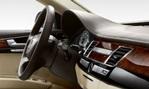 2014-Audi-A8L-cockpit 1