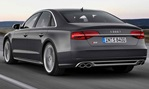 2014-Audi-S8-down-the-highway 3
