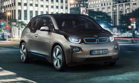 2014-BMW-i3-night-drive A