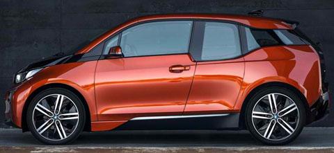 2014-BMW-i3-on-display-B1