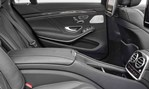 2014-Mercedes-Benz-S63-AMG-rear-seats 4