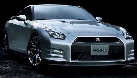 2014-Nissan-GT-R-in-the-shadows-A