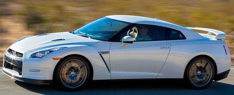 2014-Nissan-GT-R-released-B