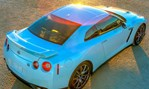 2014-Nissan-GT-R-rising-or-setting 2