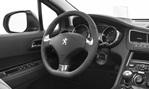 2014-Peugeot-5008-cocpit 1