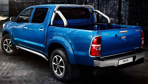 2014-Toyota-Hilux-Invincible-impressive-C