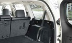 2014-Toyota-Land-Cruiser-get-in 3