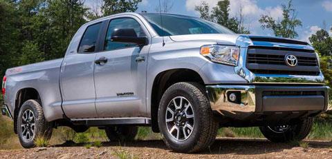 2014-Toyota-Tundra-striking-hot-A