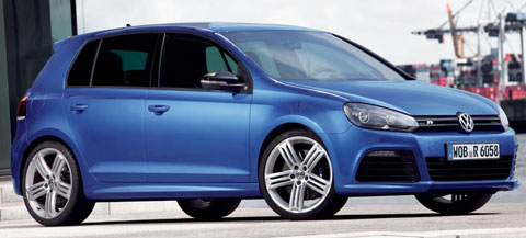 2014-Volkswagen-Golf-R-at-the-dock-A