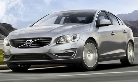 2014-Volvo-S60-up-the-slopes C