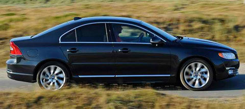 2014-Volvo-S80-in-the-countryside-B