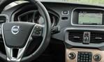 2014-Volvo-V40-Cross-Country-cockpit 2