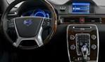2014-Volvo-XC60-up-front 1