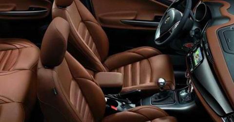 2014-Alfa-Romeo-Giulietta-interior C