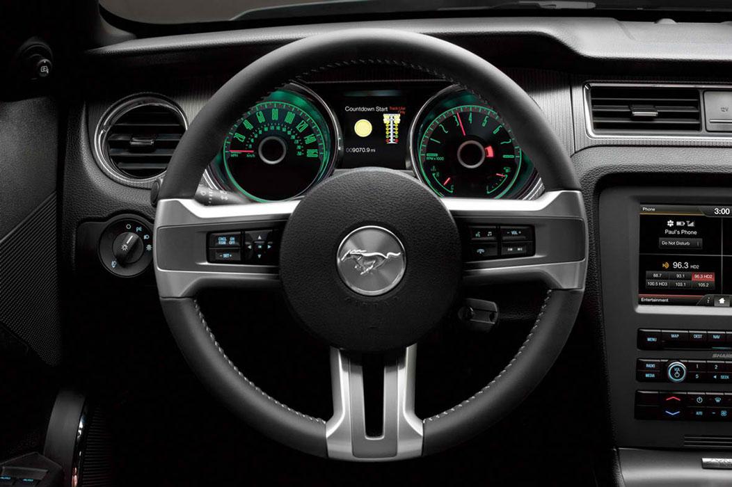 2014 ford mustang steering wheel 1