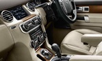 2014-Land-Rover-Discovery-4-cabin 1