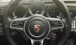 2015-Porsche-918-Spyder-cockpit 1