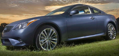 2013-Infiniti-G-Coupe-picknicking-C