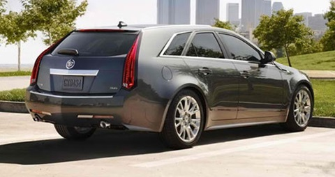2014-Cadillac-CTS-Sport-Wagon-waiting C
