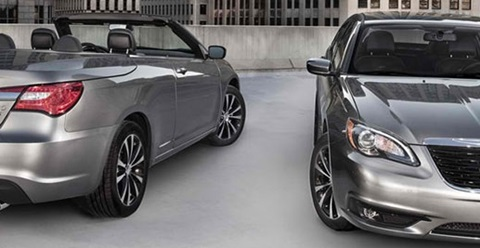 2014-Chrysler-200-Convertible-downtown B